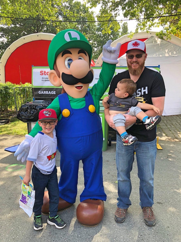 Dad and Kids Meet Luigi at PNE 2019