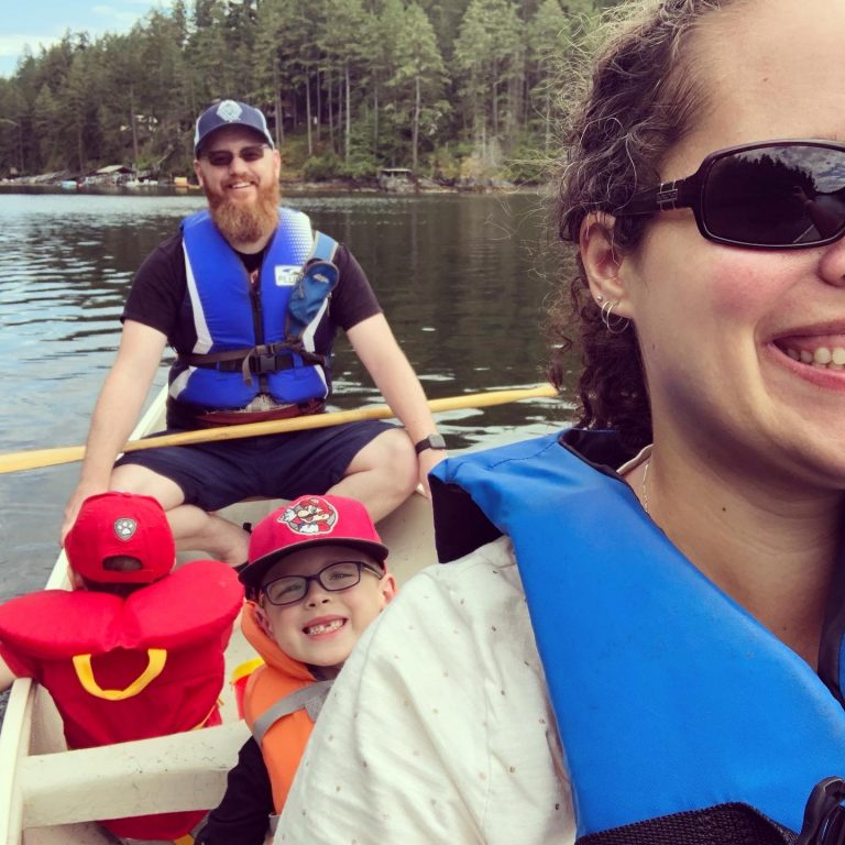 Family Canoe Trip in Secret Cove - Selfies Are Hard