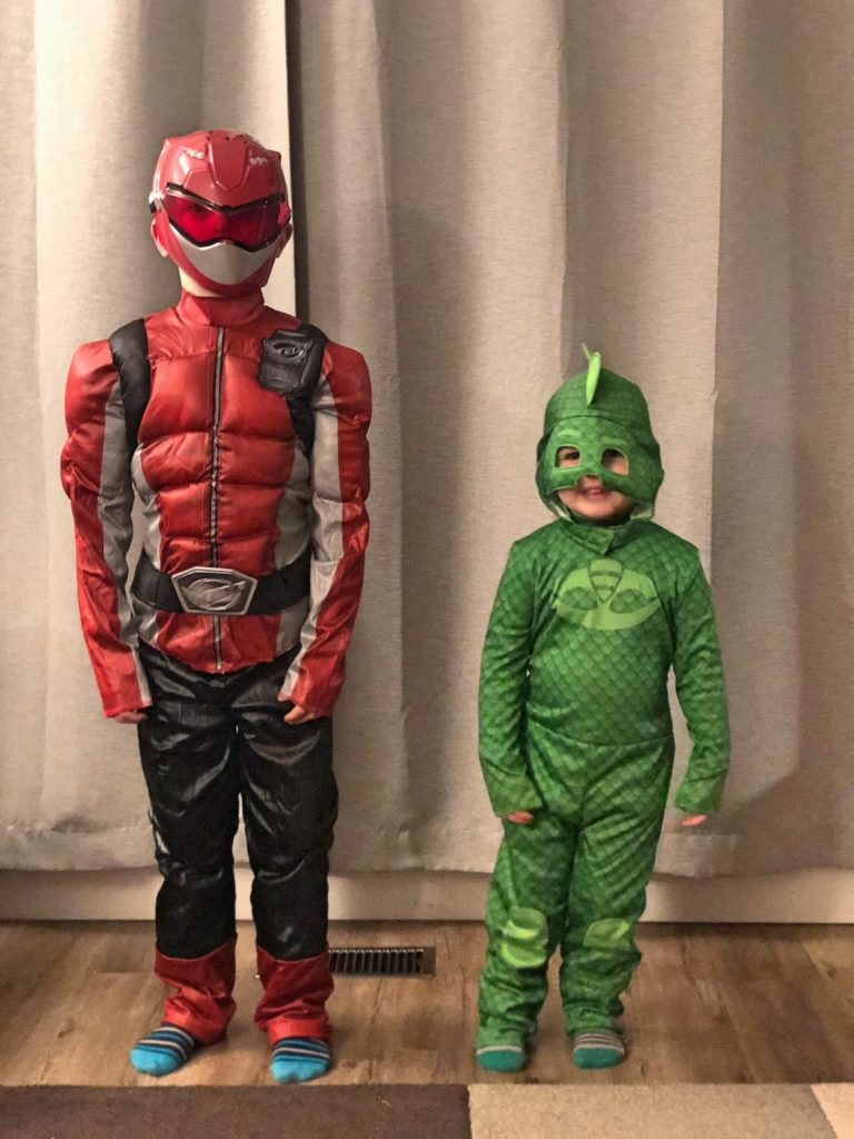 Kids in Halloween Costumes - Gecko and Red Beast Power Ranger